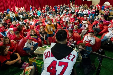 Gio Gonzalez takes part in story time