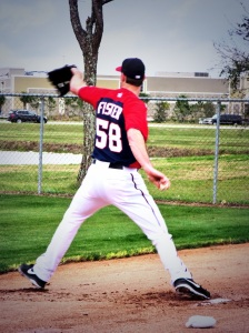 Doug Fister throws in his first bullpen session as a member of the Nationals.