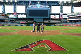 The two managers met at the lineup card exchange. (Photo courtesy of Jennifer Stewart/Arizona Diamondbacks)