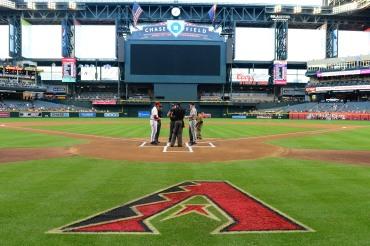 The two managers met at the lineup card exchange. (Photo courtesy of Jennifer Stewart/Arizona Diamondbacks)